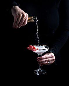 Fancy Drinks, Food Photography, Tableware, Wine, Beautiful, Merry Christmas, Dinnerware, Tablewares, Dishes