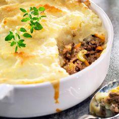Paimenen paistos   Maku Salty Foods, Tasty, Yummy Food, Food Cravings, Pot Pie, Healthy Snacks, Food And Drink, Baking, Dinner