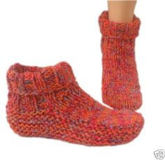 Knitwitz Country Slipper /Dorm Boot Knitting Pattern/Instructions To MakeCountry slipper socks knitting pattern All I got was a Kelly Blue Book connection!Country slipper socks knitting pattern== I really like this color of yarn/wool. Knitted Slippers, Slipper Socks, Crochet Slippers, Knit Or Crochet, Easy Crochet, Felted Slippers Pattern, Men's Slippers, Winter Slippers, Easy Knitting Patterns