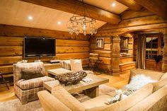 UGLA - Noen ganger går drømmer i oppfyllelse. Firewood, Real Estate, Cabin, Woodburning, Real Estates, Cabins, Cottage, Wooden Houses