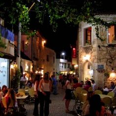Alaçatı barlar sokağı farklı bir ambians - Alaçatı Sosyal