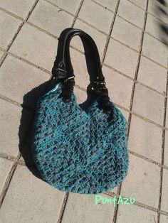 Bolso crochet de grannys forrado y con todos los detalles.