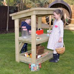 This heavy duty outdoor wooden counter unit makes an ideal centrepiece for any children's play session. It features a bottom shelf for storage, felt roof shingles and is easy to assemble using the corrosion proof fixings provided.