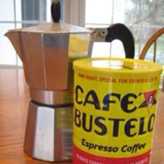 I have one of these little Cuban coffee pots.I love Cuban coffee.I miss drinking it in Miami out of the little cafeterias. Puerto Rican Recipes, Cuban Recipes, Café Cubano, Expresso Coffee, Iced Coffee, Coffee Mugs, Coffee Maker, Coffee Pot Cleaning, Colombia