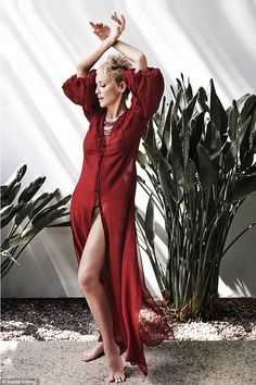 Sharon Stone 'refuses to go under the knife' Best Wedding Dresses, Wedding Styles, Sharon Stone Photos, Petite Bride, Mermaid Gown, Feminine Style, Most Beautiful Women, Dress Collection, Fashion Models