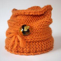 OOAK Set - Knitting neck warmer in orange wool with handmade cast resin brooch combined