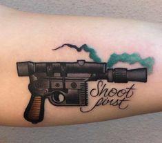 Cool Tattoos, Gun Tattoos, Single Needle Tattoo, Big Design, Popular Tattoos, Tattoos With Meaning, How To Run Longer, Tattoo Artists, Tattoo Designs