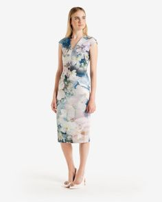 Feminine elegance with a Ted Baker style twist. The Ted Baker dress collection will give your bridesmaids an elegant and sophisticated look as well as giving extra uniqueness to your wedding day. Blue Bridesmaid Dresses, Prom Dresses, Bridesmaids, Dress Clothes For Women, Dresses For Work, Ted Baker Fashion, Ted Baker Dress, Casual Dresses, Formal Dresses