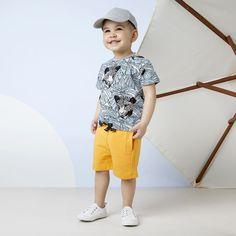 LYMY T-paita, vaaleansininen - musta | NOSH verkkokauppa | Tutustu lasten kesän 2018 uutuuksiin! Ihastu lastenvaatteiden uusiin printteihin, malleihin ja väreihin. Tilaa omat suosikkisi NOSH vaatekutsuilla, edustajalta tai verkosta >> nosh.fi (This collection is available only in Finland)