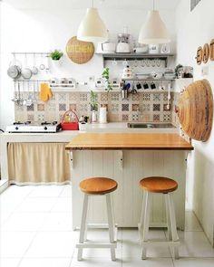 The Forbidden Truth Regarding Simple Kitchen Decoration in Small House - homeknicknack Kitchen Dinning, Kitchen Sets, Home Decor Kitchen, Kitchen Interior, Simple Kitchen Design, Home Room Design, Minimalist Kitchen, Apartment Kitchen, Sweet Home