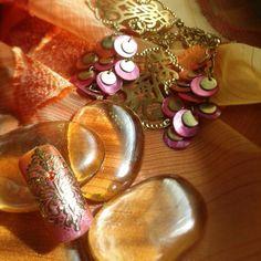Arabesque indian nail art gold foil