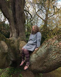 Up my favourite tree in my @grainlinestudio Farrow dressupcycledclothing,fashionrevolution,handdyed,farrowdress,imakemyclothes,climbingtrees,lawsonscypress,sewcialists,makersgonnamake,sewersofinstagram,sewapril2017,grainlinepatterns,sashikosongofthesewingmachine