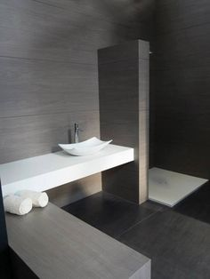 Neolith wall and floors bathrooms