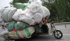 vehicules surcharges en chine 15 Ces véhicules surchargés en Chine voiture velo transport photo moto image chine camion
