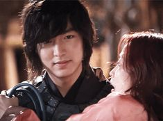 Choi Young carrying the Heaven's Doctor. <3 Lee Min Ho & Kim Hee Sun in FAITH.