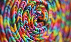 Resultado de imagem para pulseiras de elasticos
