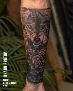 Wolf Tattoos Men, Arm Tattoos For Guys, Animal Tattoos, Small Tattoos, Charcoal Artists, Hyper Realistic Tattoo, Tattoo Prices, Alien Tattoo, Religious Tattoos