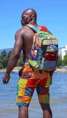 Back-to-School Ankara accessories to inspire Southern Cameroonians African Print Fashion, African Fashion Dresses, Ethnic Fashion, Fashion Prints, Mens Fashion, Fashion Outfits, Ankara Bags, African Print Shirt, Short Men