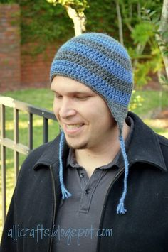 #Crochet striped earflap hat free pattern, multiple sizes, from Alli Crafts