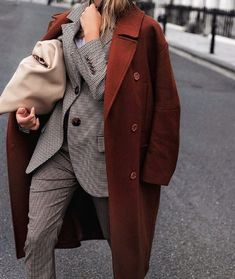 chic suit for young women in their 20s and 30s, power suit for women