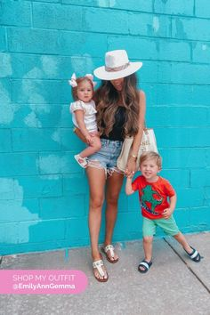 Summer outfit: denim shorts, black top and sandals. Emily Gemma, The Sweetest Thing Blog #EmilyGemma #theSweetestThingBlog