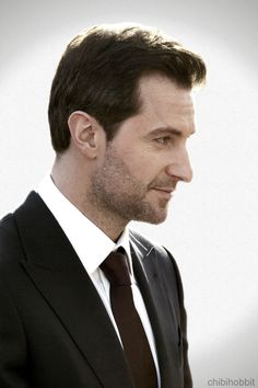 Richard Armitage. Turns out they cast pretty attractive men to play dwarf kings. (King Thorin, The Hobbit)