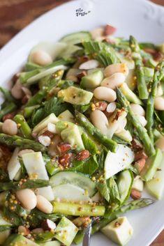 Kung Pao Chicken, Pasta Salad, Veggies, Ethnic Recipes, Food, Crab Pasta Salad, Vegetable Recipes, Vegetables, Essen