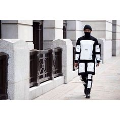 Hypebeast Streetsnaps: London Collections - Men 2015 Spring/Summer Part 1 Street Goth, Street Wear, Street Style, Cyberpunk, Hood By Air, Roman Fashion, Fashion Marketing, Kanye West, Outfit Of The Day