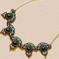 Ожерелье из бисера и бусин с 2-мя дырочками