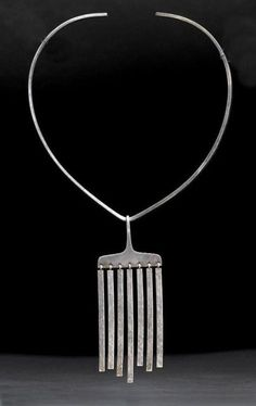 Jewelry OFF! Necklace by Danish silversmith/jeweller Karl Gustav Hansen like an African finger harp. Modern Jewelry, Metal Jewelry, Pendant Jewelry, Jewelry Art, Silver Jewelry, Jewelry Necklaces, Jewelry Design, Fashion Jewelry, Silver Ring