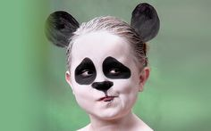 Lots of inspiration, diy & makeup tutorials and all accessories you need to create your own DIY Panda Costume for Halloween. Halloween 2018, Halloween Queen, Halloween Goodies, Halloween Costumes For Girls, Halloween Kids, Halloween Party, Panda Costume Diy, Panda Costumes, Animal Costumes