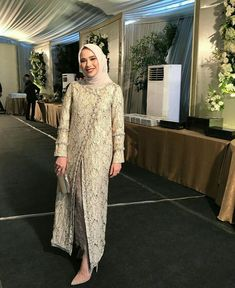 Kebaya Modern Hijab, Model Kebaya Modern, Kebaya Hijab, Hijab Gown, Hijab Dress Party, Hijab Style Dress, Turban Hijab, Dress Brokat Muslim, Kebaya Muslim