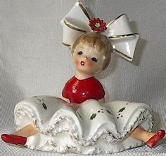 Up For Auction Is 1963 Big Bow INARCO Bloomer Girl - Sitting On The Floor A nice figurine by INARCO Big Bloomer Girl Sitting On The Floor - Christmas colors She is in mint condition with no . Antique Christmas, Vintage Christmas Ornaments, Retro Christmas, Vintage Holiday, Christmas Decorations, Christmas Girls, Christmas Poinsettia, Christmas Past, Christmas Items