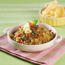 NASI GORENG RENDANG TELUR http://www.sajiansedap.com/mobile/detail/14258/nasi-goreng-rendang-telur