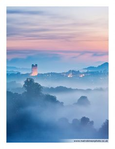 Beautiful mist shrouds Richmond and the Castle as the sun sets up Swaledale. Yorkshire England, Yorkshire Dales, North Yorkshire, Richmond Yorkshire, England Ireland, England And Scotland, Scenic Photography, Photography Projects, Color Photography