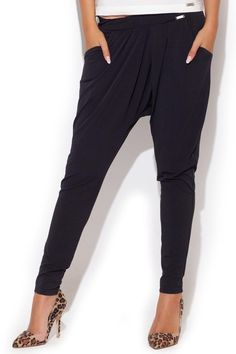 Long pants with lowered step