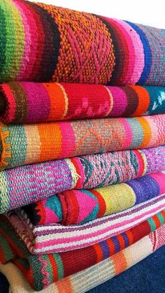 6 Destinations in Central and South America For Traditional Textiles To Decorate Your Bohemian Home Peruvian Textiles, Mexican Folk Art, Mexican Crafts, Fabric Journals, Sheep Wool, Hand Spinning, Vintage Colors, Bohemian House, Home Deco