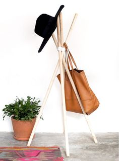 This is the only DIY hatrack guide you'll need. It's extremely simple,minimalist, and simultaneously chic and contemporary. Quite possibly a timeless design that's been constructedsince the dawn...