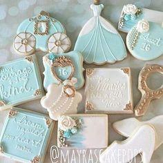 Die Prinzessin-Party zum Kindergeburtstag steht vor der Tür und wir backen schnell noch ein paar Kekse. Die können die Gäste dann bei den Gastgeschenken mitnehmen. Vielen Dank für diese schöne Idee   Dein balloonas.com  #kindergeburtstag #motto #mottoparty #prinzessin #balloonas #kekse #cookies #gastgeschenk #giveaway #favor #mitgebsel