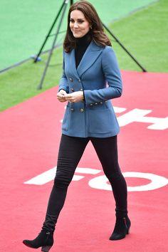 October 18, 2017 Kate Middleton Outfits, Moda Kate Middleton, Style Kate Middleton, Kate Middleton Jeans, Middleton Wedding, Princesa Kate Middleton, Princess Kate, Kate Middleton Embarazada, Duchesse Kate