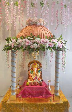 Decoration For Ganpati, Flowers Decoration, Paper Crafts, Diy Crafts, Ganesha, Artificial Flowers, Ideas, Fake Flowers, Tissue Paper Crafts