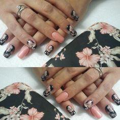 #nailart #pronailsitalia #clientisoddisfatte #blacksaint #flowers #cover #centroesteticosolare # by servisabrina