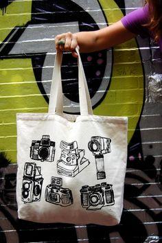 Kamera Beutel // Camera tote by czeedesigns via DaWanda.com