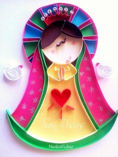 Virgencita de Guadalupe con detalles de perlas en su corona