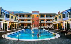 Captain Stavros er et af vores mest populære hoteller på Lefkas. Ved hotellets hyggelige poolområde trives børnene og i de rummelige lejligheder er der plads til hele familien. Se mere på www.apollorejser.dk/rejser/europa/graekenland/lefkas/hoteller/captain-stavros