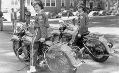 Bagger Motorcycle, Cruiser Motorcycle, Motorcycle Girls, Motorcycle Design, Classic Harley Davidson, Harley Davidson Bikes, American Motorcycles, Vintage Motorcycles, Lady Biker