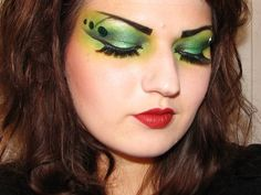 MissChievous tutorial on beautiful witch make-up.
