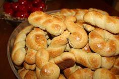 Roses Menu, Greek Cookies, The Kitchen Food Network, Easter Cookies, Greek Recipes, Easter Recipes, Pretzel Bites, Us Foods, Hot Dog Buns