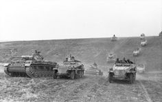 Panzer III and sd.kfz 250 24 panzer division | WW2 tanks | Flickr