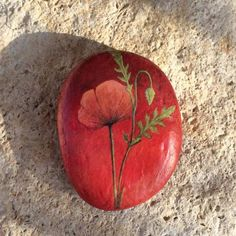 Poppies handpainted stone, acrylic on river pebble - x - 1 oz ~ 35 x 45 mm - 28 g ~ SOLD ⭐️ les galets de Lyzzz 💕… The Art of Rock Painting - Artists' Life Insights and Online Sales Place rocks around the war memorial Pebble Painting, Pebble Art, Artist Painting, Stone Painting, Rock Painting Patterns, Rock Painting Designs, Paint Designs, Stone Crafts, Rock Crafts